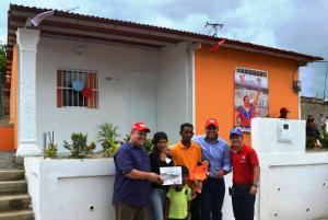 Se otorgaron 182 casas en los 14 municipios de la entidad