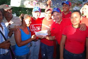 Gobernador entregó recursos y recibió propuestas del municipio Bolívar
