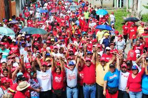Caminata para afianzar la reelección del candidato Luis Duque
