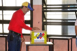 El Gobernador sufragó en la EB República de Nicaragua