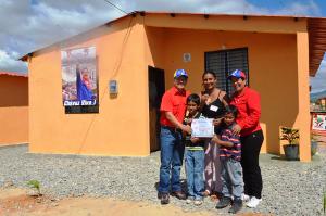 Gobierno regional entregó la vivienda número 10 mil 446 viviendas