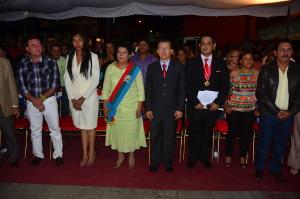 Shirley Romero, recibió la banda como alcaldesa de Peña