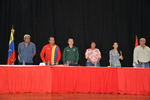 Miembros de la Dirección Política y el alcalde