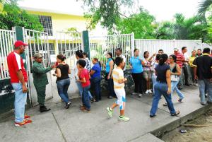 Centros de votación activos desde tempranas horas