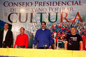Presidente planteó fomentar la producción cultural