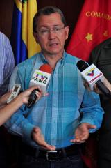 Julio León, gobernador