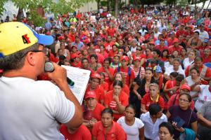 El acto se realizo en la plaza Bolivar