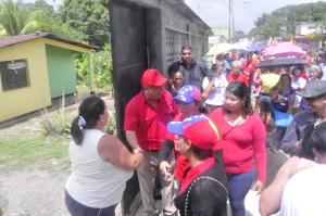 Los precandidatos visitaron el sector Banco Obrero